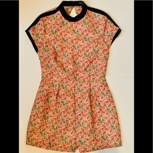 Topshop 1 Piece Short Sleeve Romper Size 6